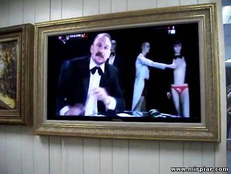 телевизор в интерьере