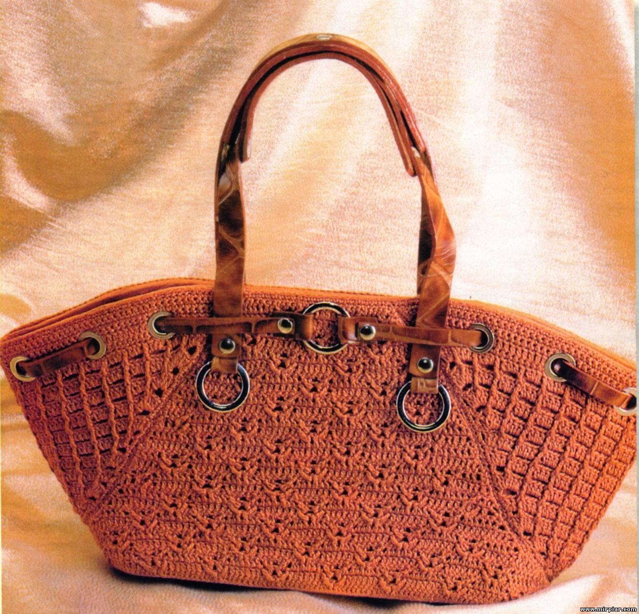 Летом очень актуальны всякие разные сумочки.  Стильные вязаные сумки крючком СХЕМЫ и описанием можно использовать и...
