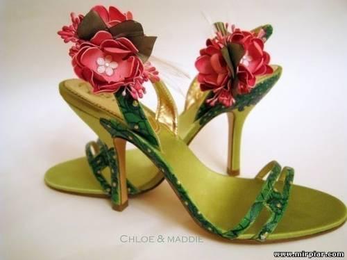 украшаем обувь цветами из ткани  1