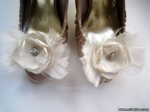 украшаем обувь цветами из ткани 2