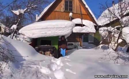 на даче зимой