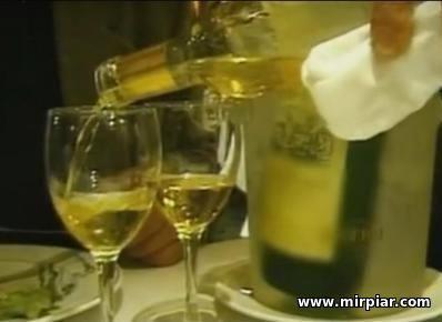 как научиться пить вино