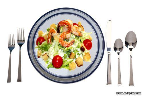 избавиться от лишнего веса, как похудеть, посуда для похудения, как тарелки влияют на аппетит, посуда и вес
